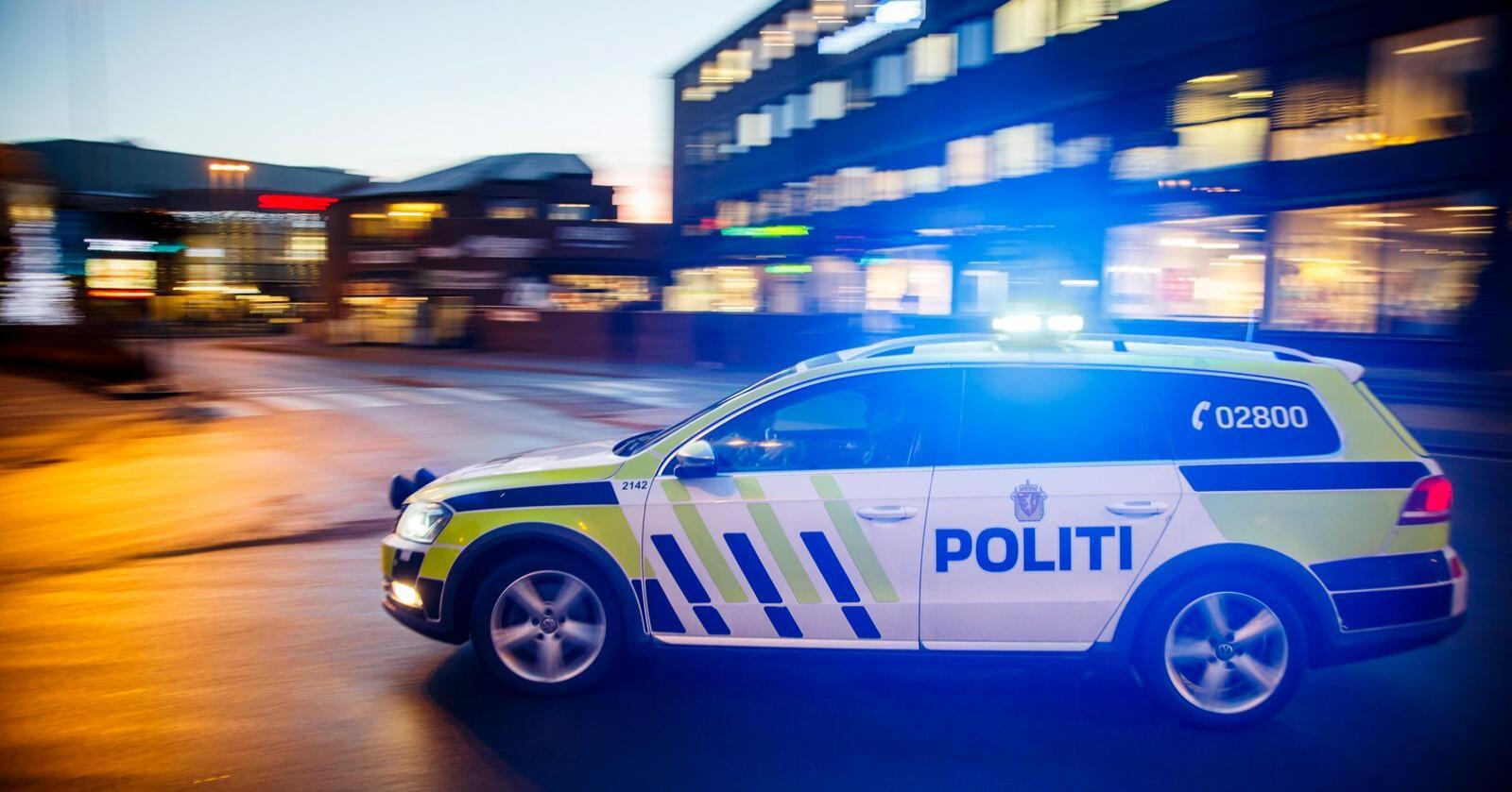 Det krever 1,5 ganger så mange årsverk for å bemanne en slik patruljebil i Norge, sammenlignet med Danmark, Finland og Sverige. Foto: Heiko Junge / NTB scanpix
