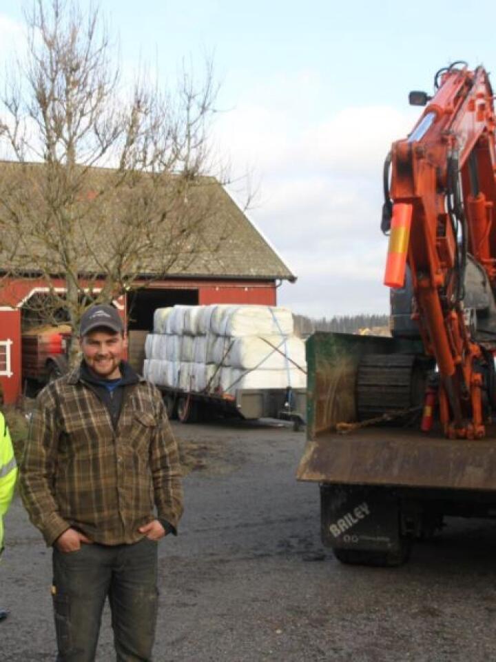 Vil lære, og lære bort: Gårdbruker og entreprenør Anders Uvaag (t.h.), samt Ole Nekstad fra NBI Kompetansepartner, bidro til en lærerik dag med fokus på lastsikring.
