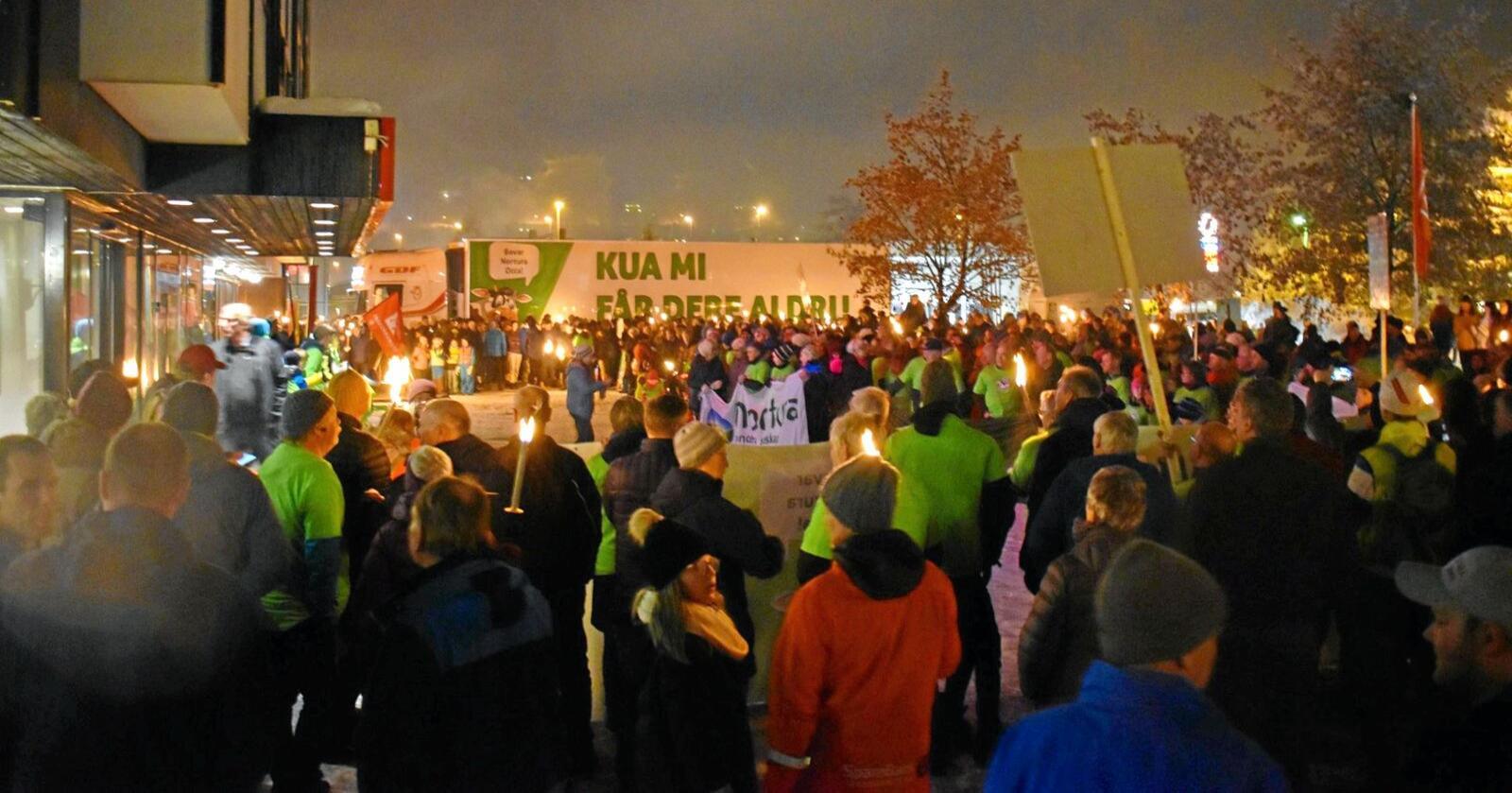 Demonstrasjon: Denne uka var det demonstrasjon for at Nortura sitt slakteri på Otta skal bestå. Foto: Bård Bårdløkken