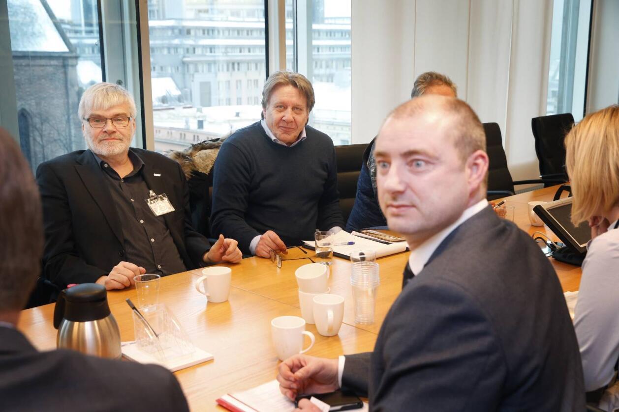 Forliksmøte mellom arbeids- og sosialminister Robert Eriksson (Frp) og representanter for Nordsjø-dykkerne. Foto: Cornelius Poppe / NTB scanpix