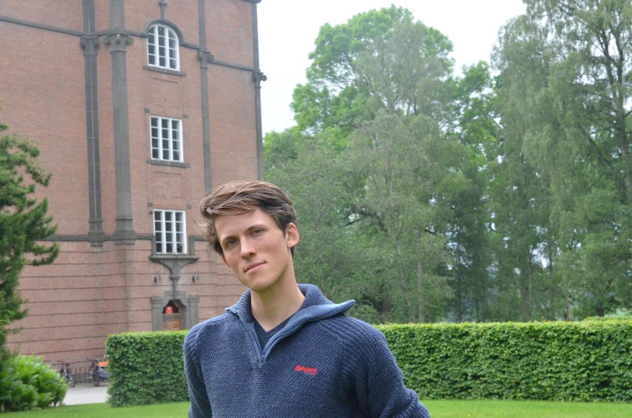 Tor Malnes Grobstok, talsperson for Nettverk for dyrs frihet, kommunestyrerepresentant i Ås (MDG) og student på husdyrfag ved NMBU.