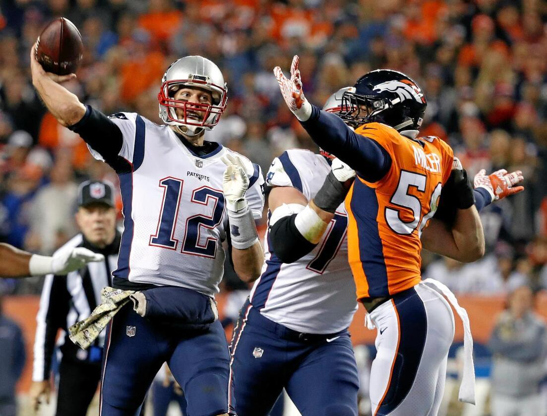 Kritiserer industrilandbruket: Tom Brady (nummer tolv), quarterback for det amerikanske fotballaget New England Patriots, kommer med råd til amerikanske bønder. Foto: Jack Dempsey / AP / NTB Scanpix