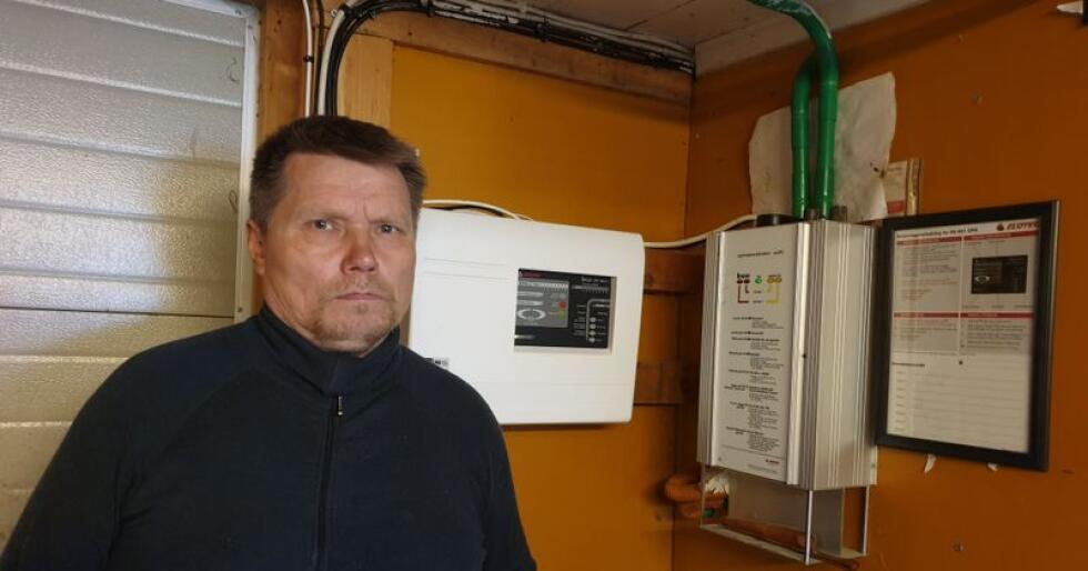 Ikke fornøyd: John Inge Henriksen mener Elotec tar for lett på ansvaret om å ha kompetente folk til å ta service på anleggene sine. (Foto: Privat)