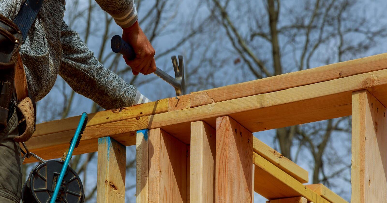 – I siste instans går forskjellsbehandling av sparebankene utover boligbygging i distriktene, mener Evy Ann Hagen i Aurskog Sparebank. Foto: Mostphotos