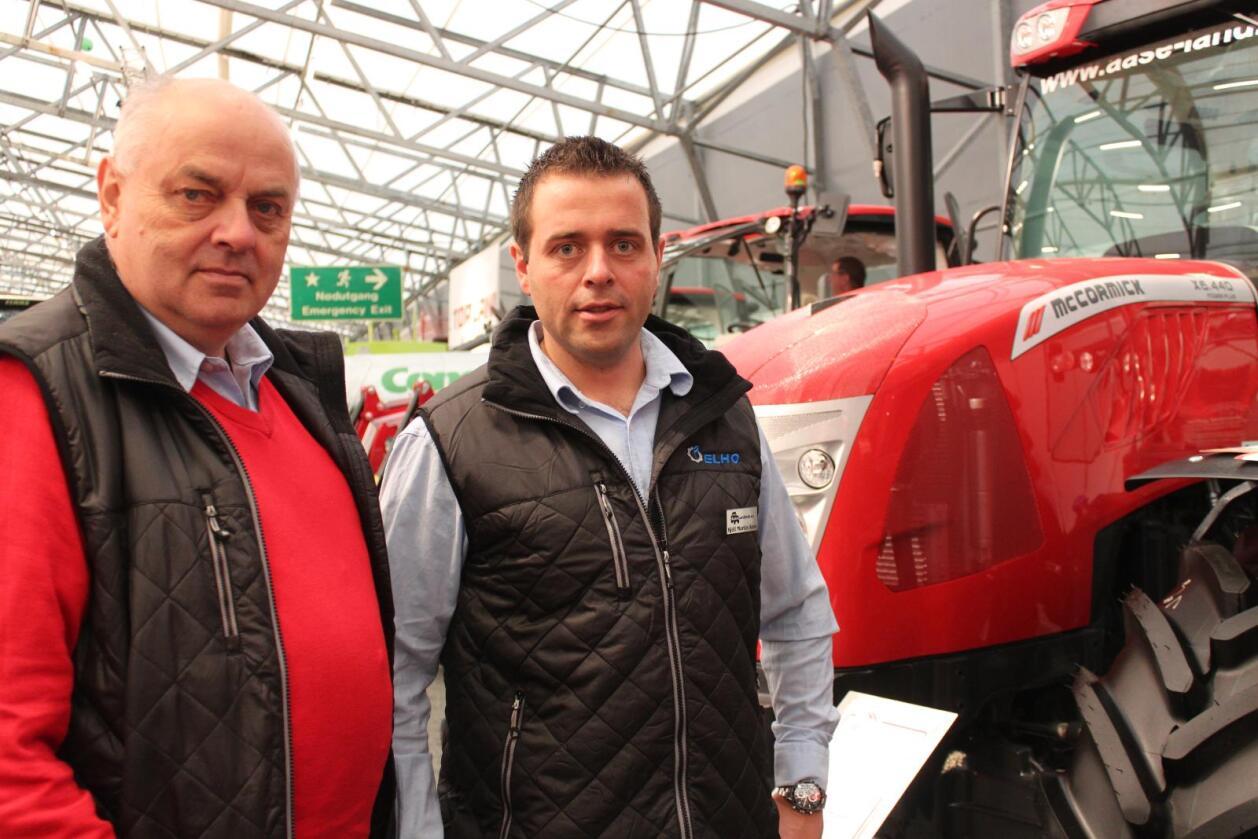Forhandlarar: Martin Aase og Kjell Martin Aase ser lyst på framtida for Aase Landbruk, og håpar å rekruttere fleire McCormick-forhandlarar rundt om i landet. Foto: Dag Idar Jøsang