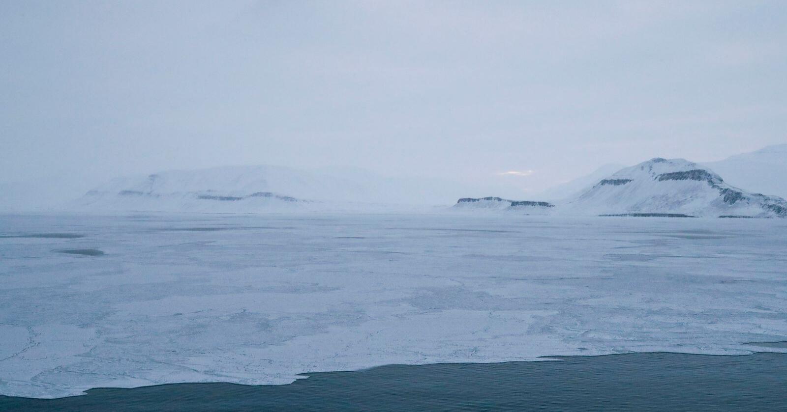 I 2019 ble det målt rekordhøye nivåer både av CO2 og av metan i atmosfæren over Norge. Her fra Svalbard. Illustrasjonsfoto: Lise Åserud / NTB