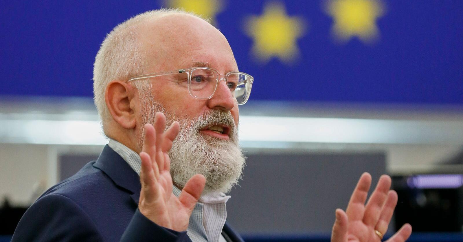 EUs klimasjef Frans Timmermans mener at EU bør sikre at de mest sårbare menneskene ikke betaler den tyngste prisen for det grønne skiftet. Foto: AP / NTB