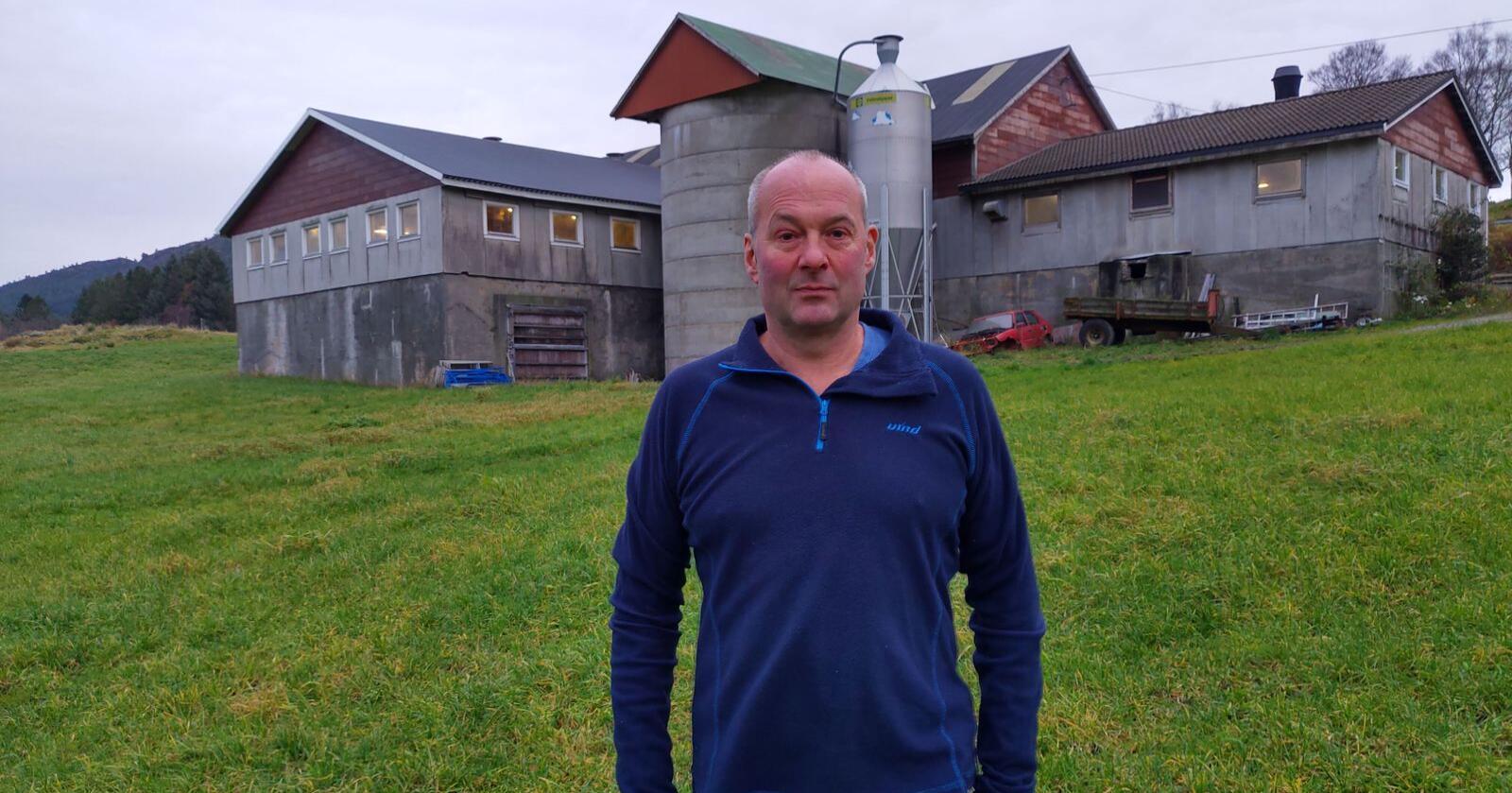 Sunnhordland: Jens Gaute Aarbø er melke- og svinebonde i Fitjar i Sunnhordland. Aarbø mener utviklingen fører til at grisen blir konsentrert i noen deler av landet. Foto: Privat)