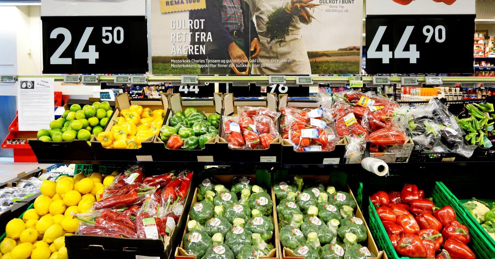 Landbruksekspert Christian Anton Smedshaug utelukker ikke at enkelte frukt og grønnsaker kan bli mangelvare denne sesongen. Foto: Marie De Rosa