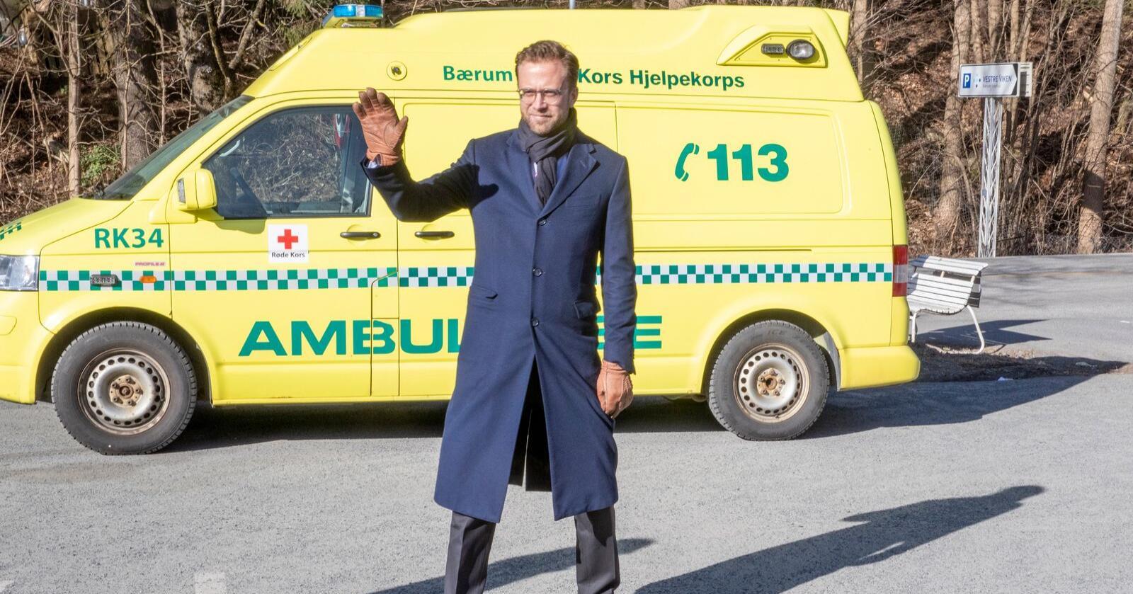Kommunalminister Nikolai Astrup fotografert utenfor Asker og Bærum legevakt tidligere i vår. Foto: Terje Pedersen / NTB scanpix.