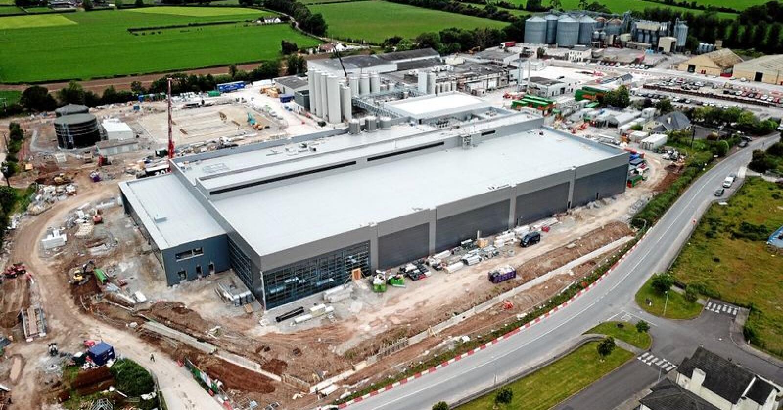 Tines Jarlsberg-fabrikk i Irland, Tine Mogeely, er snart klart til bruk. Foto: Tine