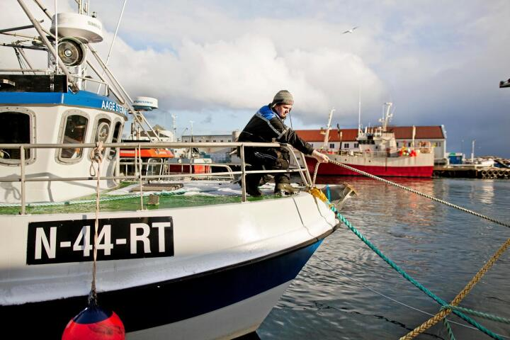 Håvard Vikedal Pedersen har vokst opp på kaia i Glea. Bestefaren holdt også til her. Han klarte fagprøven som fisker med glans i august, og har søkt om en rekrutteringskvote fra Fiskeridirektoratet. Alle foto: Solfrid Sande