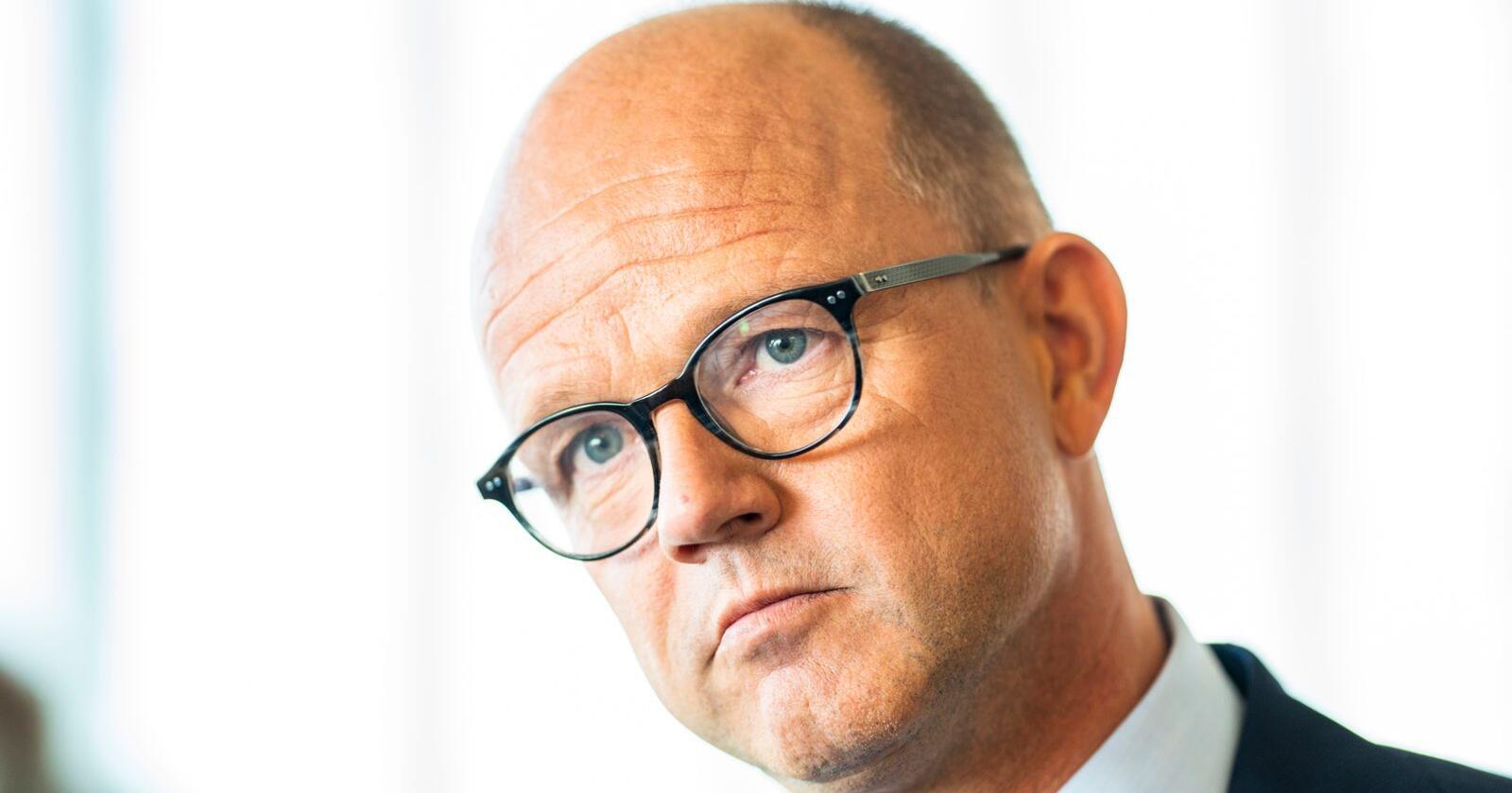 NHO-direktør Ole Erik Almlid slår krisealarm for bedriftene. Regjeringens kompensasjonsordninger må forlenges etter 1. mars, framholder han. Foto: Håkon Mosvold Larsen / NTB