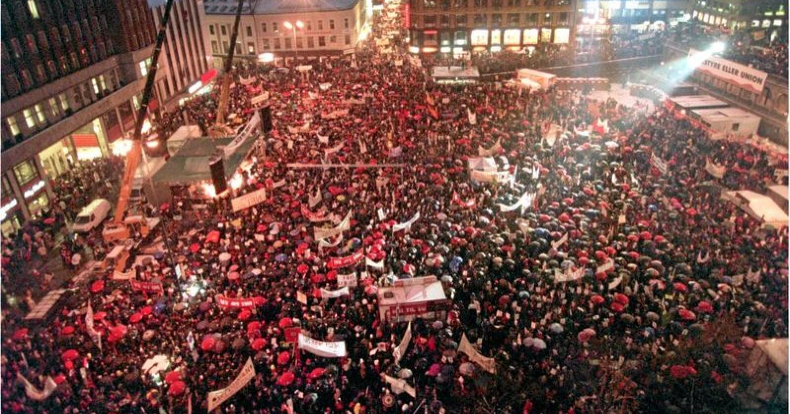 25 år: 21. november 1994 demonstrerte over 25.000 mot norsk medlemsskap i EU. Foto: Johnny Syversen / NTB scanpix