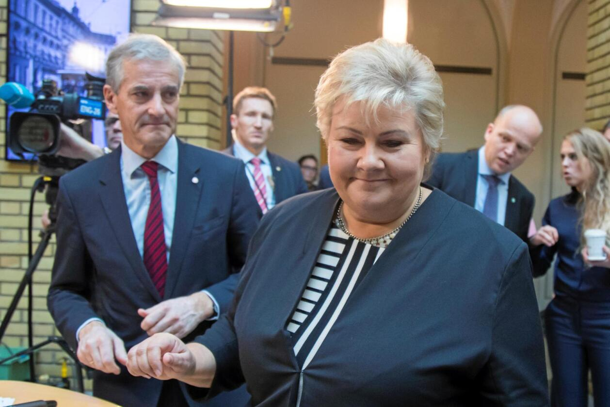 En tviler og en sikker: Mens Ap tviler i spørsmålet om norsk tilknytning til Acer, vil Erna Solbergs regjering knytte Norge til EUs energiunion. Foto: Heiko Junge / NTB scanpix