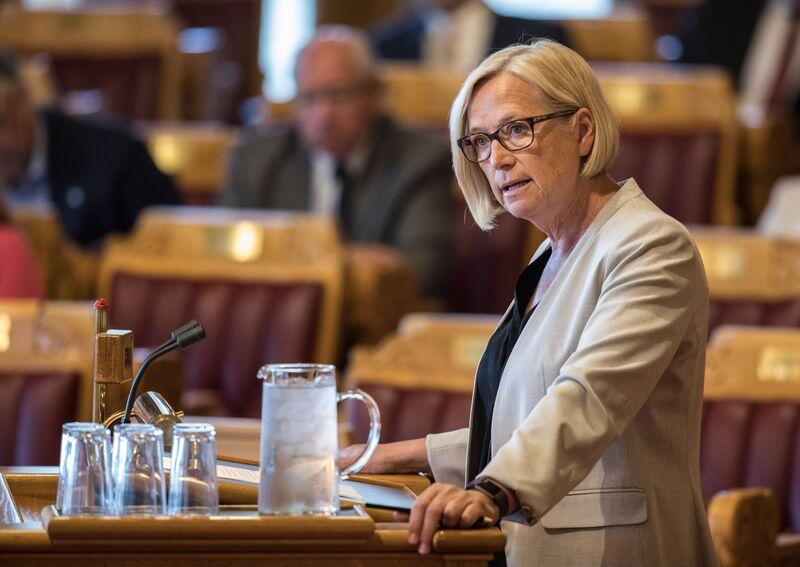 Stortingsrepresentant Marit Arnstad (Sp) krever at Stortinget får diskutere rovdyrsituasjonen, etter vedtaket i regjeringen mandag. Foto: Ole Berg-Rusten / NTB Scanpix