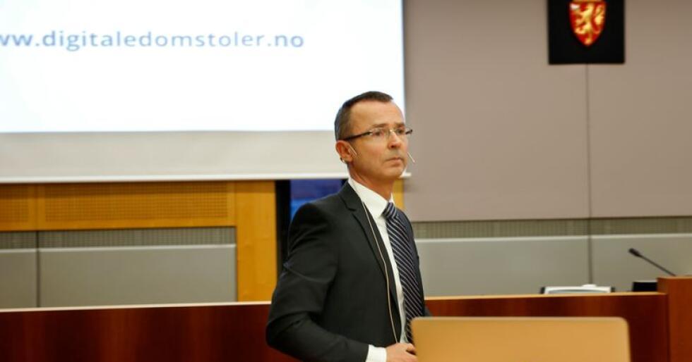 Sven Marius Urke er direktør i Domstoladministrasjonen. Han mener felles ledelse mellom flere tingretter kan demme opp for fysiske sammenslåinger. Kritikerne er uenige. Foto: Vidar Ruud / NTB scanpix