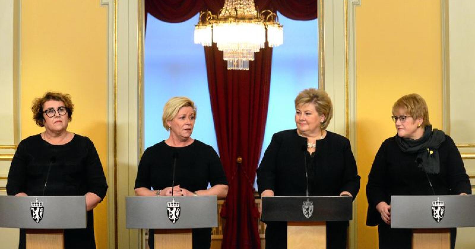 Olaug Bollestad (Krf), Siv Jensen (Frp). Erna Solberg (H) og Trine Skei Grande (V). Foto: Siri Juell Rasmussen