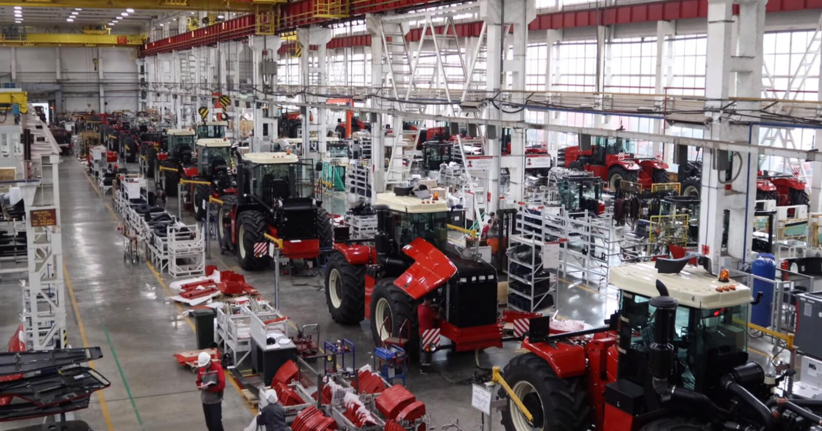 Rostselmash har inntil nå produsert monstertraktorer i størrelsesordnen 380-583 hestekrefter. Med ny fabrikk, og en serie modeller fra 170-250 hestekrefter, håper de på å bli en viktig eksportør av traktorer til det sentrale Europa. (Foto: produsenten)