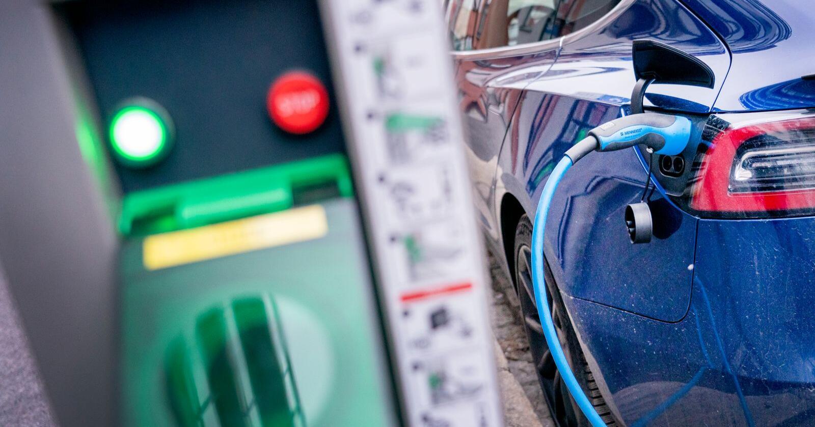 Kjemien kan gå i stå når du hurtiglader bilen.Illustrasjonsfoto: Gorm Kallestad / NTB