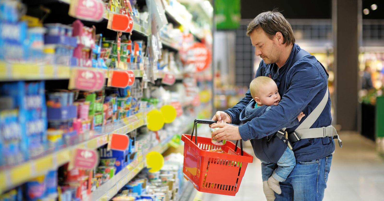 Mange av produktene som retter seg mot spedbarn og småbarn har ofte høyt innhold av sukker, skriver Forbrukerrådet. Illustrasjonsfoto: Mostphotos