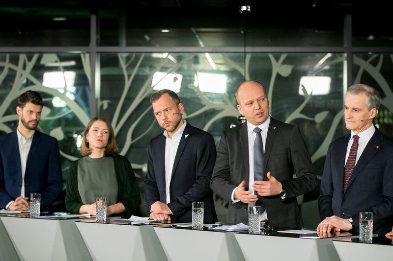 Bjørnar Moxnes (R), Une Aina Bastholm (MDG), Audun Lysbakken (SV), Trygve Slagsvold Vedum (Sp)  og Jonas Gahr Støre (Ap). Foto: Vidar Ruud / NTB scanpix