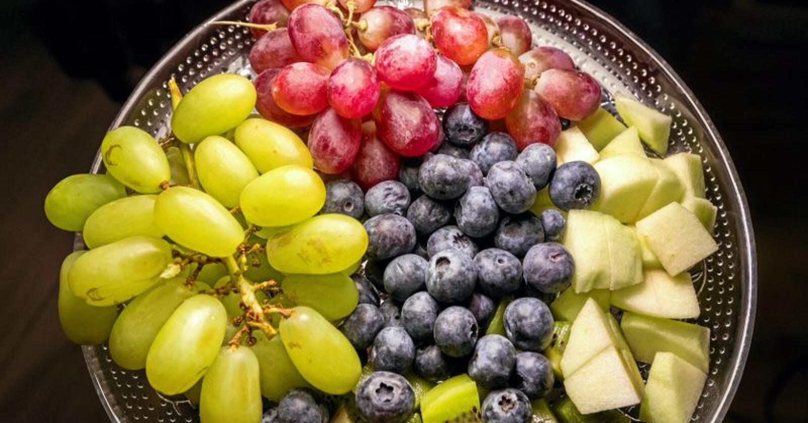 Kiwi og Bama ønsker å kutte plastbruken i frukt- og grøntavdelingene med inntil 400 tonn. Illustrasjonsfoto: Gorm Kallestad / NTB scanpix