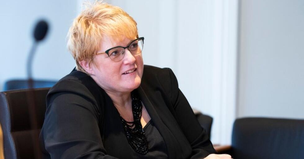 Kulturminister Trine Skei Grande vil gi Språkrådet myndighet så de i framtiden kan sette foten ned for dårlige statlige navn. Hun er forberedt på debatt. Foto: Berit Roald / NTB scanpix