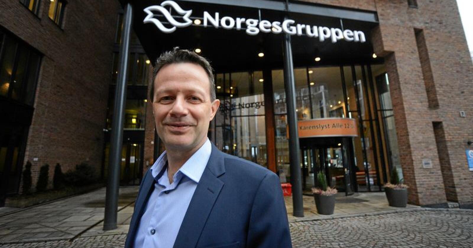 Norgesgruppen, her representert ved konsernsjef Runar Hollevik, er Norges største dagligvarekjede, og provoserer konkurrenten Coop med sine eiendomskjøp. Foto: Siri Juell Rasmussen