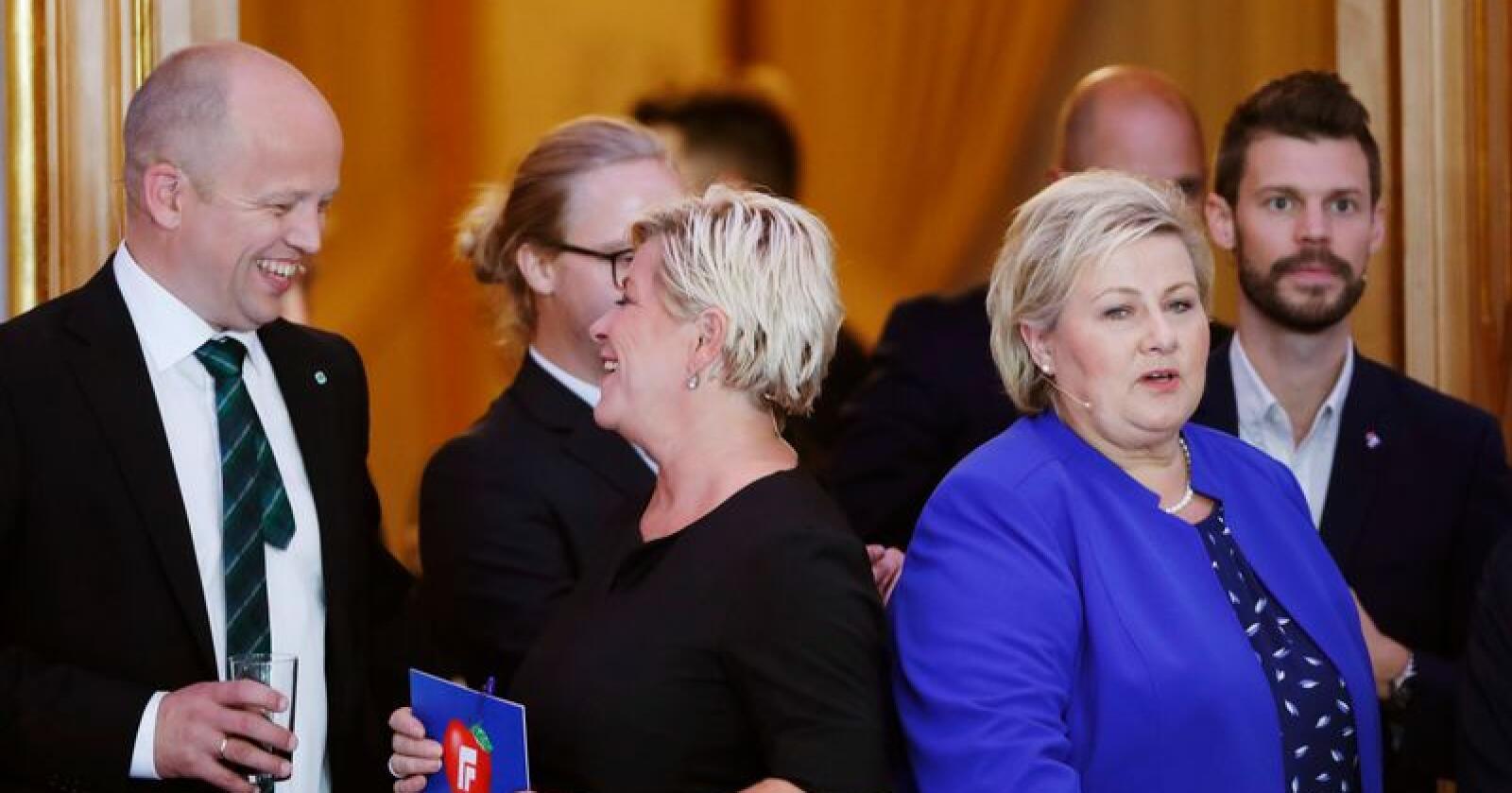 Sp-leder Trygve Slagsvold Vedum er som regel uenig med Frp-leder Siv Jensen og statsminister Erna Solberg (H) nasjonalt, men i kommunene får hans ordførere oftere støtte fra disse to enn fra Ap og SV. Foto: Terje Bendiksby / NTB scanpix