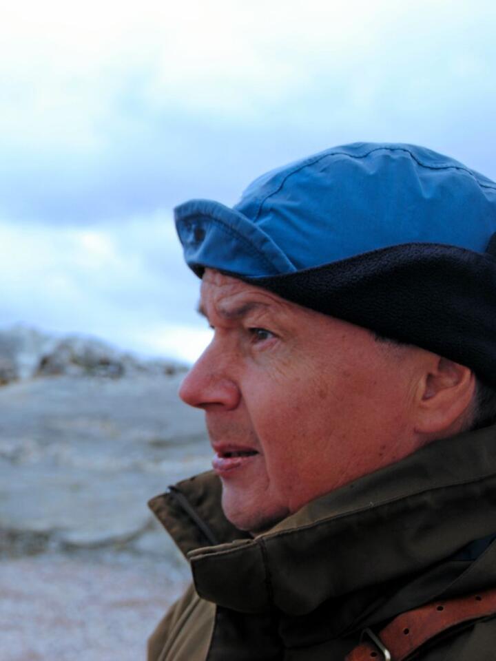 Leif Arne Jåma er reineier på Fosen i Trøndelag og frykter at framtiden er dyster på grunn av vindkraftutbyggingen på Storheia. Foto: Lars Bilit Hagen