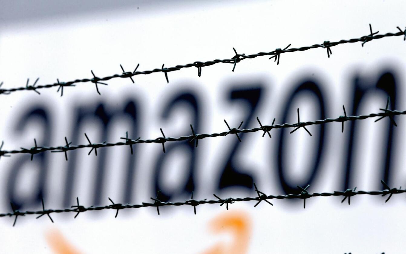 Nettbutikken Amazon har distribusjonssentre rundt om i verden. Bildet er fra selskapets logistikksenter i Rheinberg i Tyskland. Foto: Frank Augstein / AP / NTB Scanpix