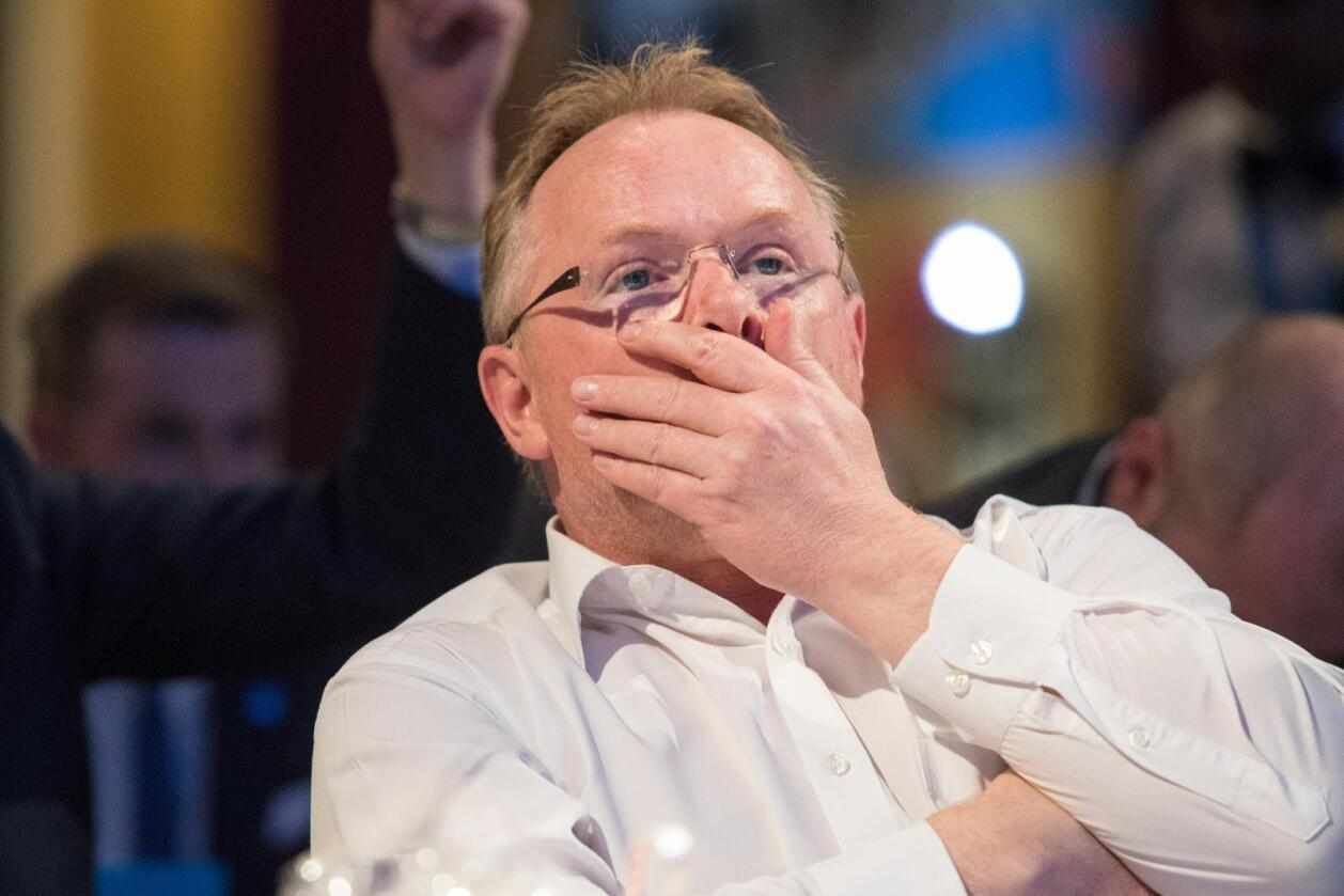 Fiskeriminister Per Sandberg (Frp) har gjort det klart at han ikke vil godta at EU utsteder lisenser for snøkrabbefiske utenfor Svalbard. Han er derimot åpen for kvotebytte. Foto: Audun Braastad / NTB scanpix