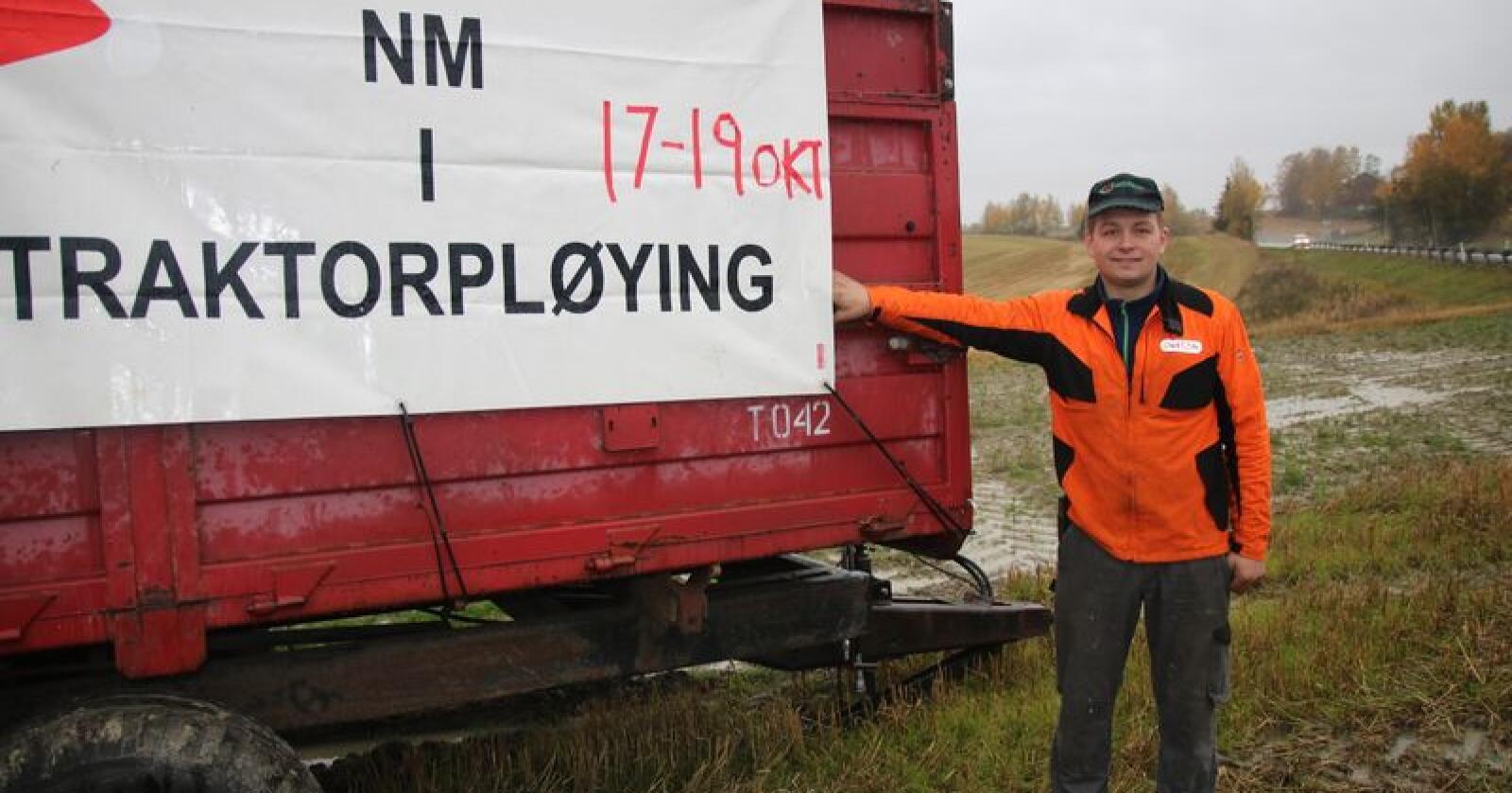 –  Det er katastrofalt bløtt på det jordet NM skulle vært gjennomført, sier Simen Andrè Hanslien i arrangementskomiteen. Foto: Knut Houge