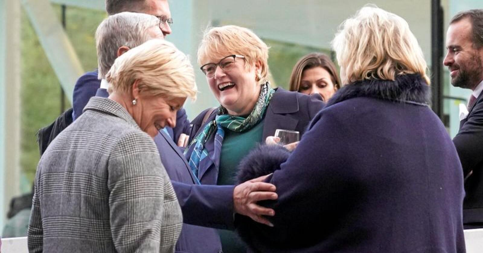 Partnere i regjering: Venstre-leder og kulturminister Trine Skei Grande sier hun er den beste til å lede Venstre. Her i lag med finansminister Siv Jensen (Frp) og statsminister Erna Solberg (H).
