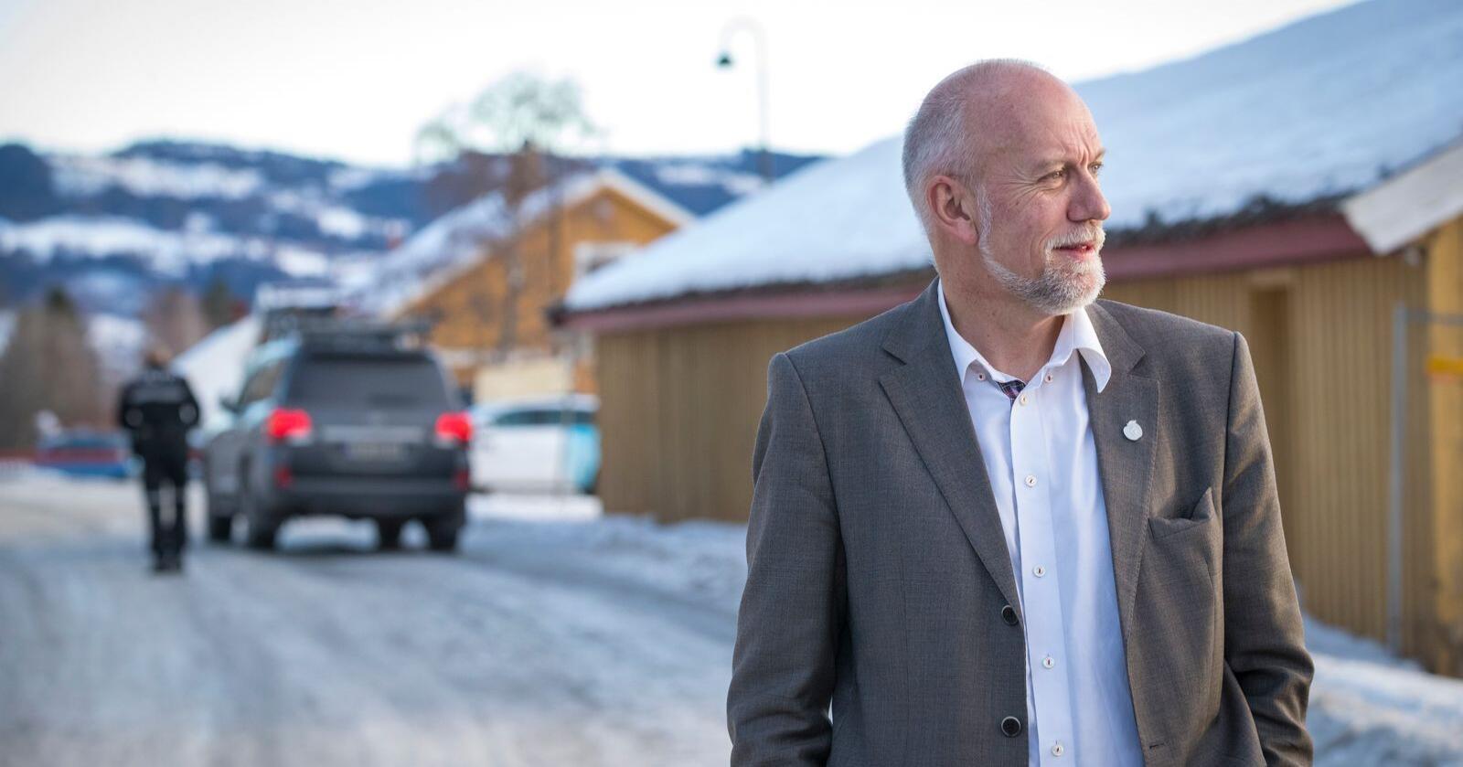 Frps stortingspolitikere ble orientert om den endelige pelskompensasjonen onsdag, noen timer før offentligheten. Morten Ørsal Johansen (FrP) legger ikke skjul på at han er skuffet over egen regjering. Foto: Heiko Junge / NTB scanpix
