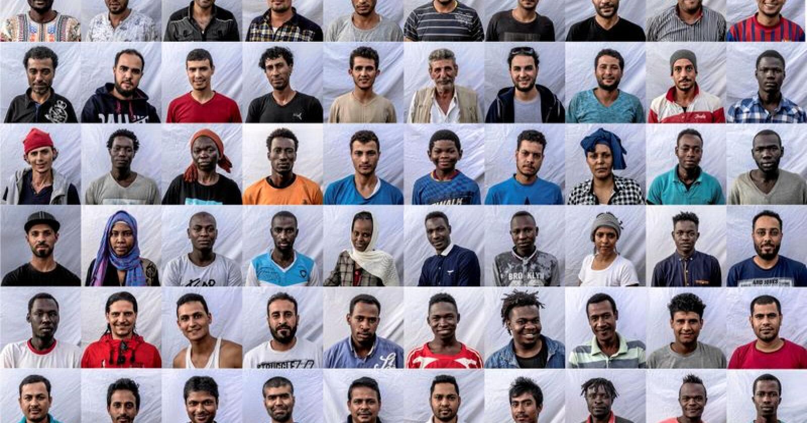 Druknet ikke: Seksti migranter, de aller fleste menn, plukket opp av redningsskipet Open Arms i Middelhavet. Foto: Olmo Calvo / AP / NTB scanpix