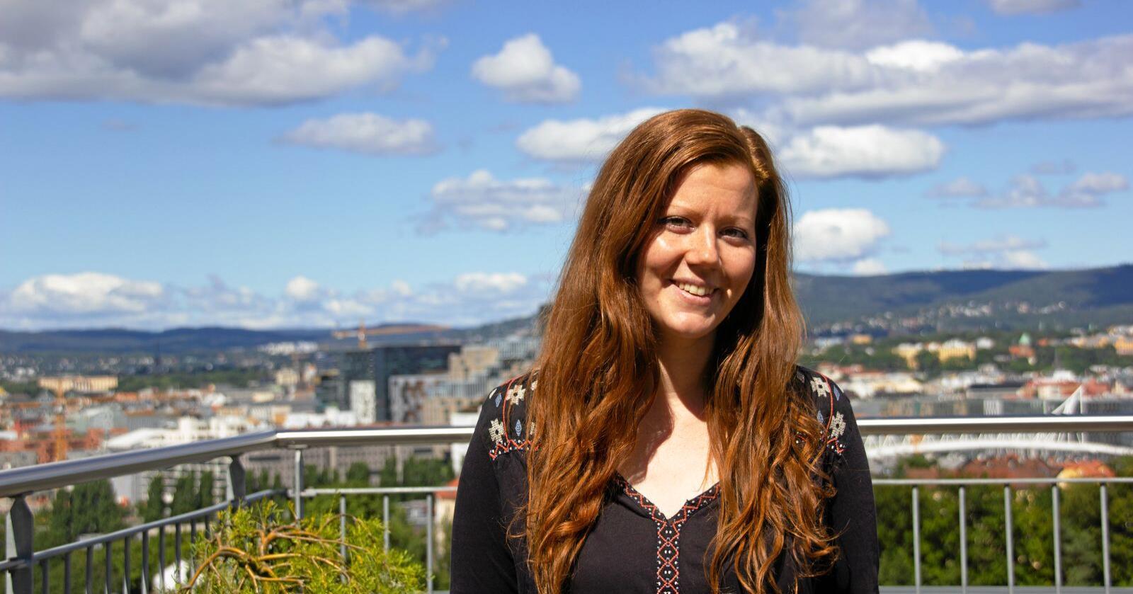 Norun Haugen stoler ikke på at Mattilsynets inspektører i slakteriene holder nødvendig avstand til de ansatte, og dermed kan komme i en dobbeltrolle. Foto: Vilma Taubo