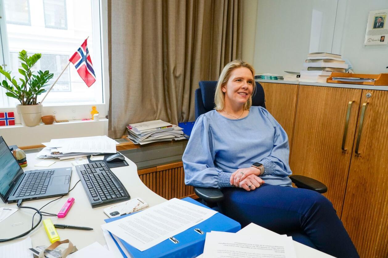 Påtroppende Frp-leder Sylvi Listhaug mener bondeopprøret minner om jordbruksoppgjøret i 2014, da hun var landbruksminister: Det var demonstrasjoner og masse styr. Bønder er jo ikke offentlig ansatte, de er selvstendig næringsdrivende, sier hun. Foto: Lise Åserud / NTB