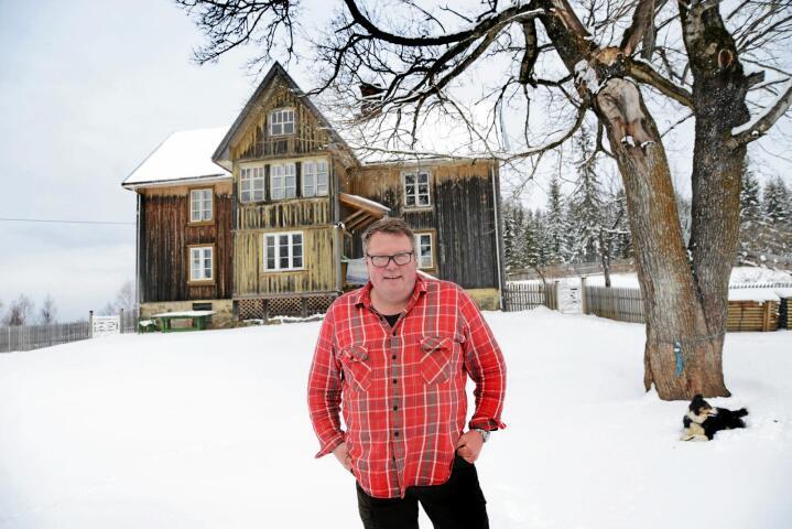 Matformidler: Olav Lie-Nilsen er hotelleier og bonde, og ble kåret til Årets lokalmatgründer i fjor. – Det var gull verdt, sier han. Nå oppfordrer han andre til å melde seg på årets kåring. Foto: Siri Juell Rasmussen