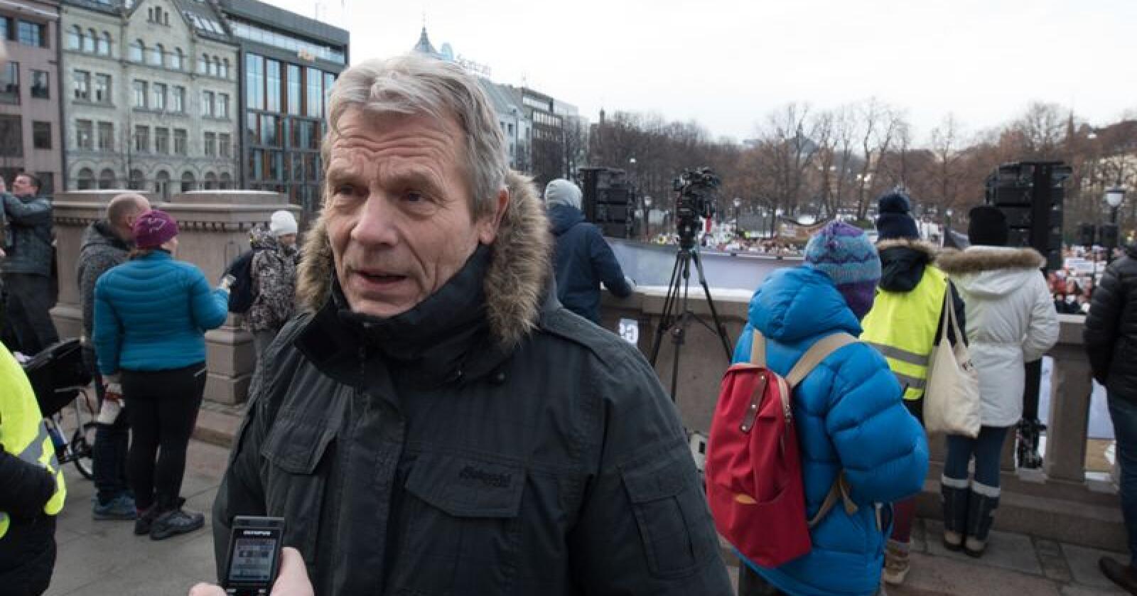 Arne Nævra, stortingsrepresentant for SV, mener det er skandaløst hvordan den nye postloven ser ut til å bli. Foto: Vidar Sandnes