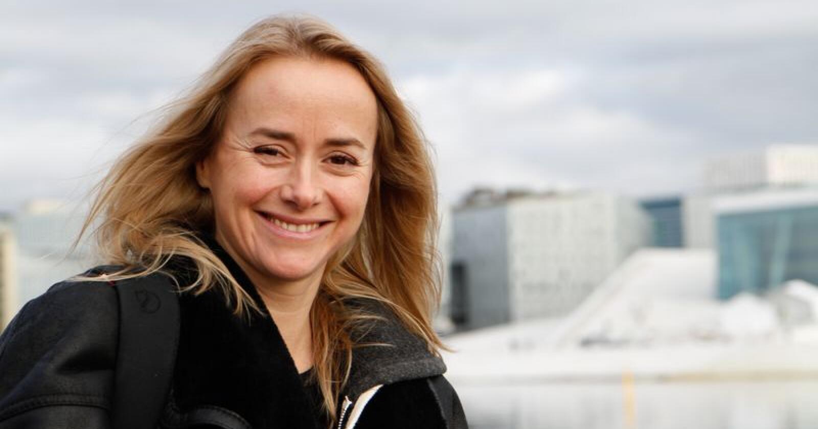 Tale Maria Krohn Engvik er mest kjent som Helsesista frå Snapchat. No får ho Dialektprisen 2019 av Noregs Målungdom. Foto: Beate Haugtrø / NPK