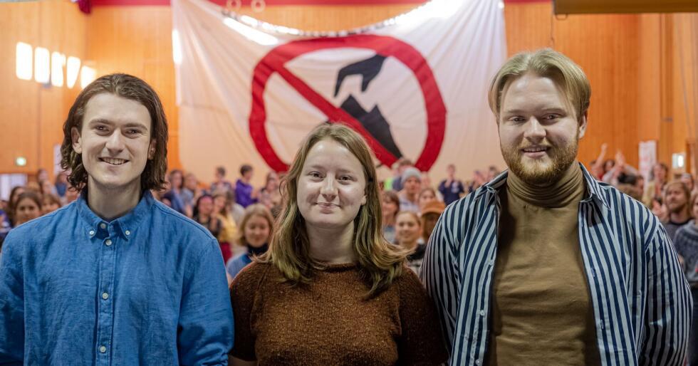 Arbeidsutvalget i Natur og Ungdom 2020: Fra venstre: 2. nestleder Andreas Randøy, leder Therese Woie og 1. nestleder Jørgen Næss Karlsen. (Foto: Thor Due)