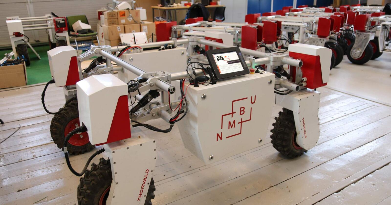 Saga Robotics står bak landbruksroboten Thorvald som har sitt utspring fra robotlinja ved NMBU. Foto: Dag Idar Jøsang