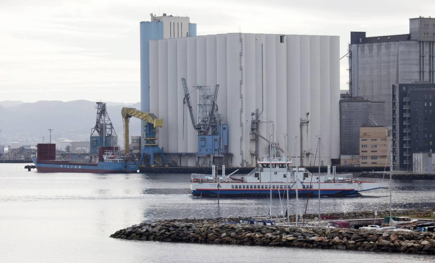 Eigarskifte: Felleskjøpet Agri blar opp nær 50 millionar kroner for å hindre riving av Skandinavias største kornlager, Stavanger Havnesilo. Foto: Norgrain
