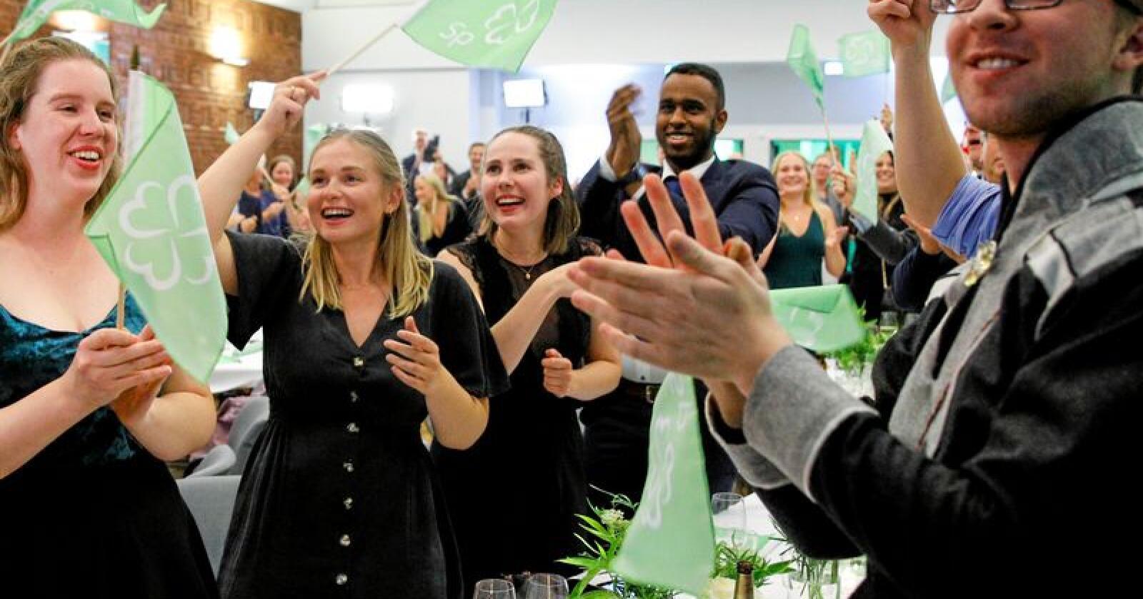 Jubel under valgvaken til Senterpartiet (Sp) på Ingeniørenes hus i Oslo. Foto: Audun Braastad/NTB scanpix