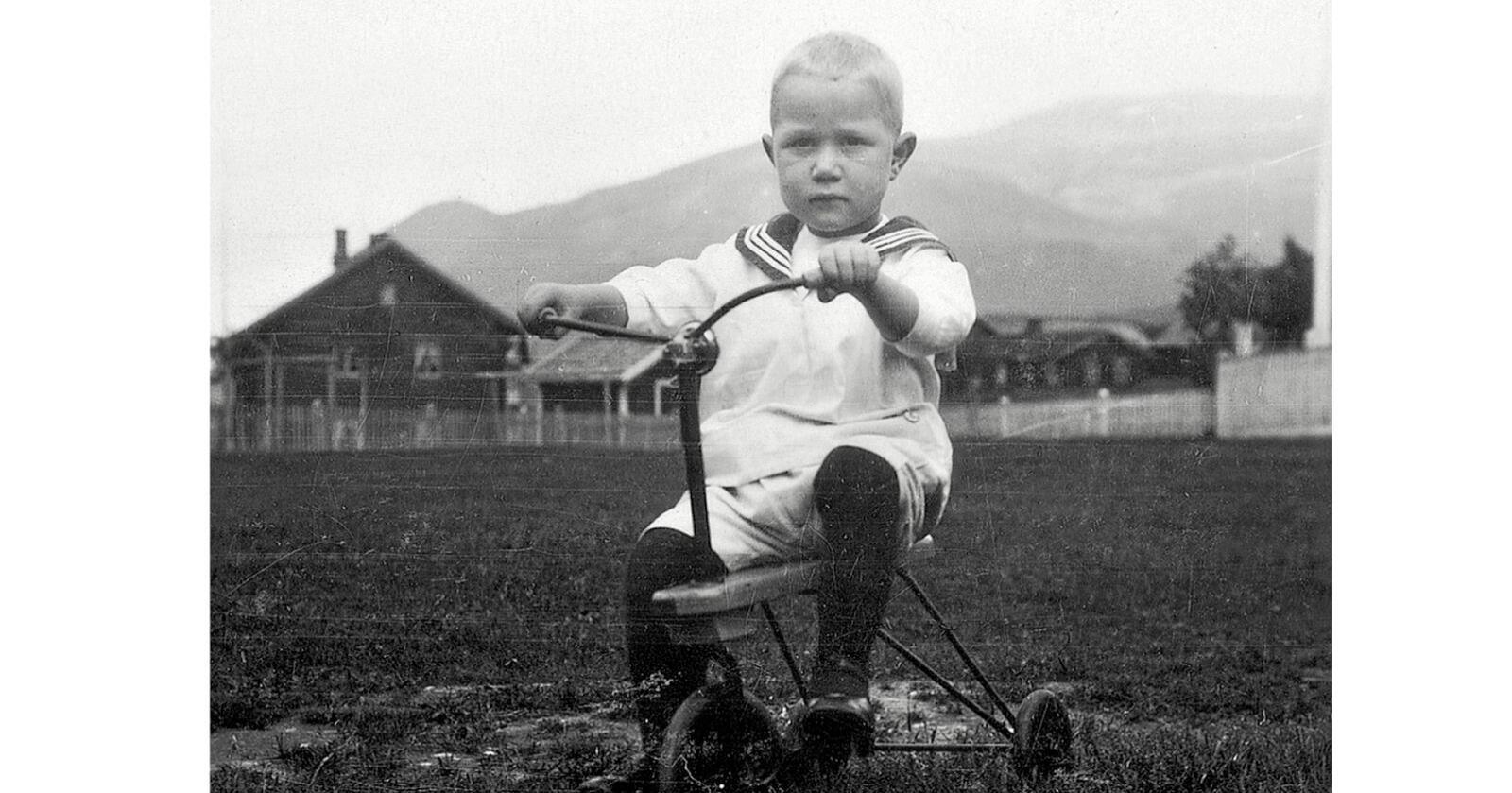 Kjell Aukrust som barn i Alvdal. Foto: Fra Biografien om Kjell Aukrust