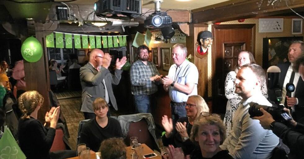 Sjokk og vantro: Trønder-Sp har aldri vært så stort som etter fylkessammenslåingen. Valgvaken i Midtbyen i Trondheim reagerte med undring og glede. Foto: Hans Bårdsgård