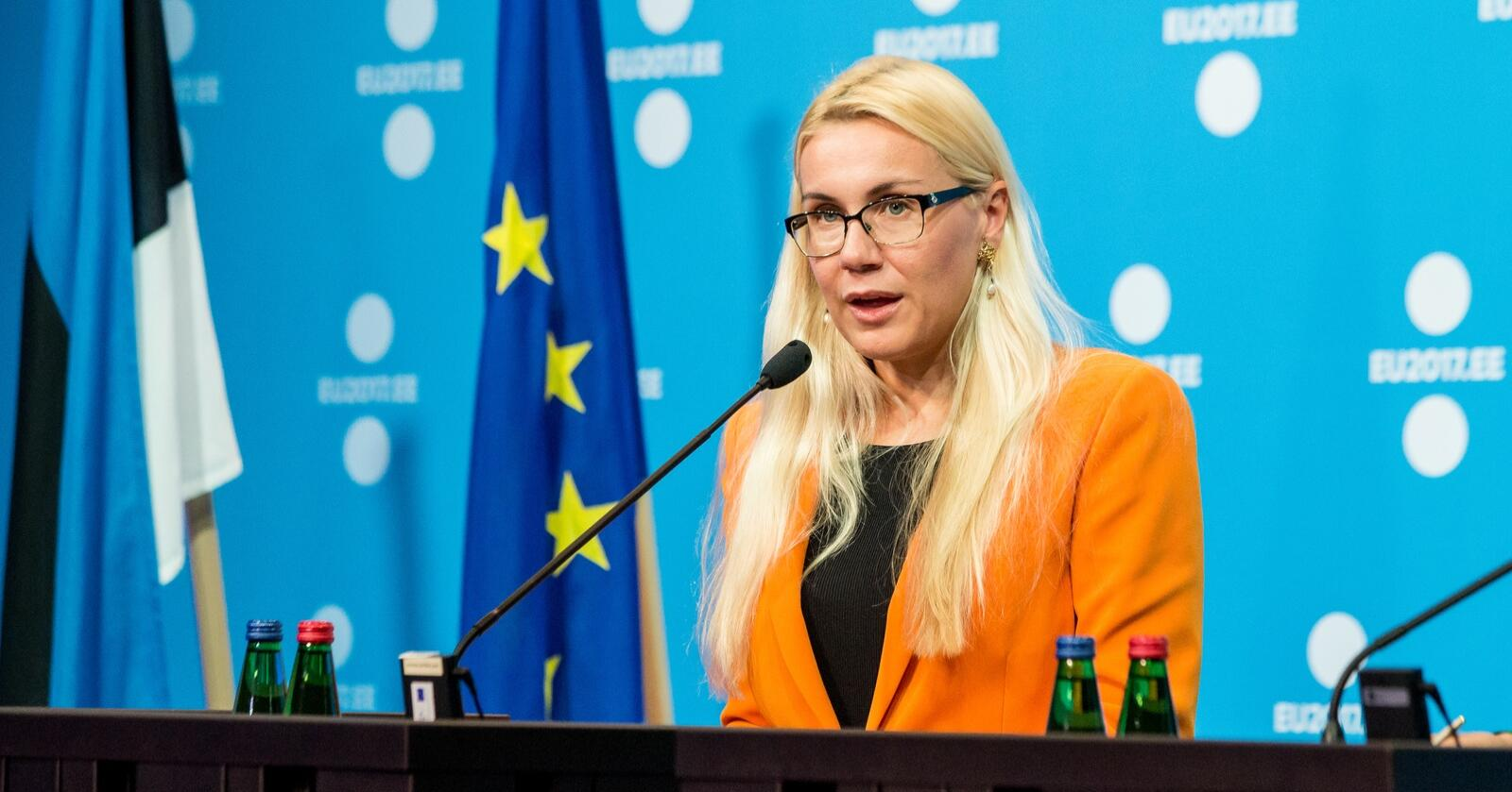 Kadri Simson, er EUs energikommisjonær og tidligere estisk finansminister, presenterte EUs verktøykasse mot økende kraftpriser onsdag. Foto: Aron Urb (EU2017EE)