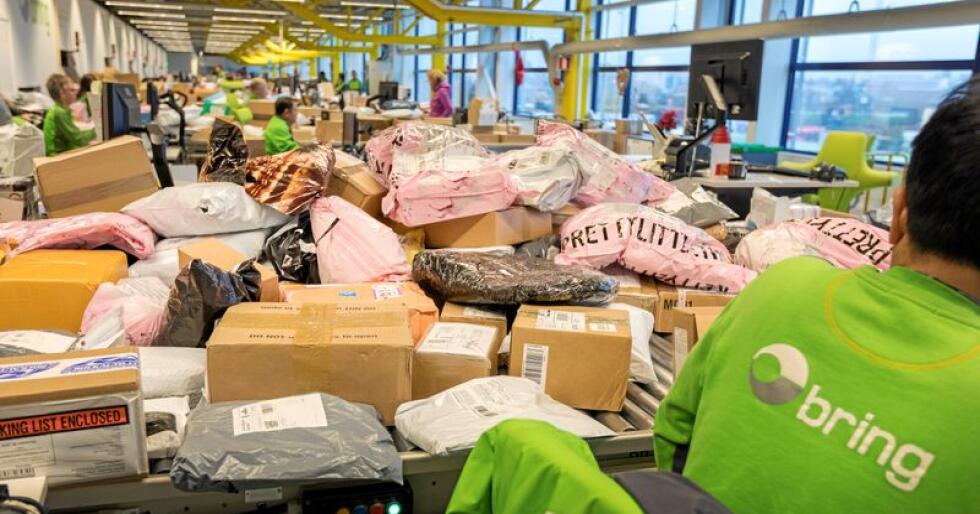 Posten melder om at store mengder klær som kjøpes på nett blir returnert. Illustrasjonsfoto: Gorm Kallestad / NTB scanpix